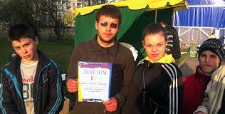 Yablonka's Tonsouvenire waren ein Hit am Tag der Hering in Kaliningrad