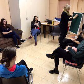 Каждый ВТ в нашем центре проходят познавательные встречи с подростками